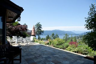 Photo 4: 5156 Meadfeild Road in West Vancouver: Home for sale : MLS®# V962076