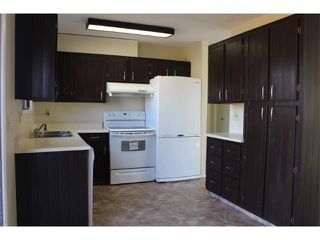 Photo 2: 12 FALWORTH Bay NE in Calgary: Falconridge House for sale : MLS®# C4053072