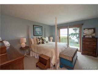 Photo 8: 8381 Lochside Drive in SAANICHTON: CS Turgoose Single Family Detached for sale (Central Saanich)  : MLS®# 366040