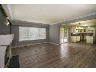 Photo 5: 2325 BEDFORD Place in Abbotsford: Abbotsford West House for sale : MLS®# R2085946