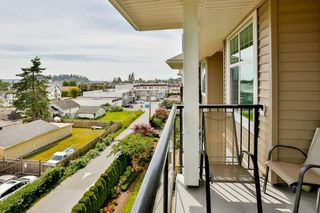 """Photo 11: 407 17712 57A Avenue in Surrey: Cloverdale BC Condo for sale in """"West on the Village Walk"""" (Cloverdale)  : MLS®# R2086740"""