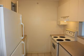 "Photo 8: 204 720 CARNARVON Street in New Westminster: Downtown NW Condo for sale in ""CARNARVON TOWER"" : MLS®# R2093454"