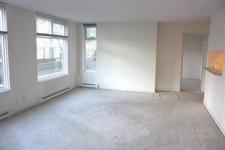 "Photo 5: 204 720 CARNARVON Street in New Westminster: Downtown NW Condo for sale in ""CARNARVON TOWER"" : MLS®# R2093454"