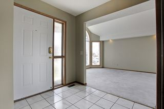 Photo 3: 134 Edgebrook Close NW in Calgary: 2 storey for sale : MLS®# C3616951