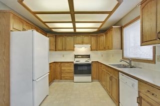 Photo 8: 134 Edgebrook Close NW in Calgary: 2 storey for sale : MLS®# C3616951