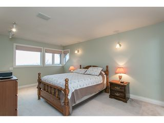 """Photo 13: 11950 CLARK Drive in Delta: Sunshine Hills Woods House for sale in """"West Panorama Ridge"""" (N. Delta)  : MLS®# R2122074"""