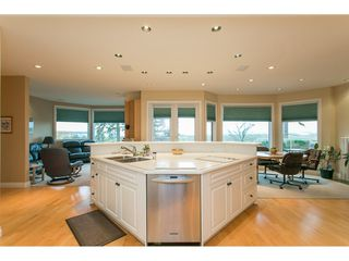 """Photo 7: 11950 CLARK Drive in Delta: Sunshine Hills Woods House for sale in """"West Panorama Ridge"""" (N. Delta)  : MLS®# R2122074"""