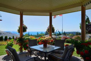 "Main Photo: 6244 BAILLIE Road in Sechelt: Sechelt District House for sale in ""WEST SECHELT"" (Sunshine Coast)  : MLS®# R2135798"