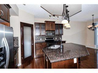Photo 3: 172 ASPEN HILLS Close SW in Calgary: Aspen Woods House for sale : MLS®# C4102961
