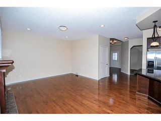 Photo 11: 172 ASPEN HILLS Close SW in Calgary: Aspen Woods House for sale : MLS®# C4102961