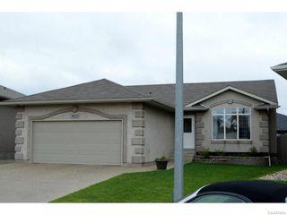 Photo 2: 8029 SHORTGRASS Bay in Regina: Fairways West Residential for sale : MLS®# SK611118