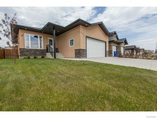 Photo 2: 606 Redwood Crescent in Warman: Residential for sale : MLS®# SK612663