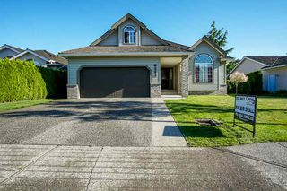 Photo 1: 31466 UPPER MACLURE Road in Abbotsford: Abbotsford West House for sale : MLS®# R2179311