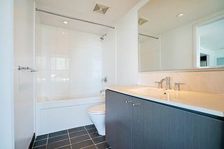 "Photo 15: 508 522 W 8TH Avenue in Vancouver: Fairview VW Condo for sale in ""CROSSROADS"" (Vancouver West)  : MLS®# R2193198"