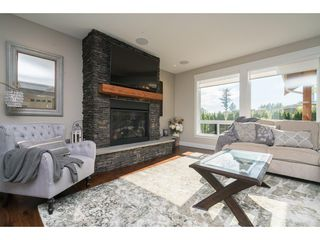"Photo 2: 2747 EAGLE SUMMIT Crescent in Abbotsford: Abbotsford East House for sale in ""Eagle Mountain"" : MLS®# R2209656"