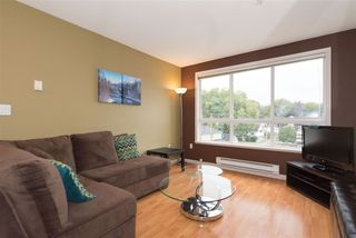 "Photo 4: 405 189 ONTARIO Place in Vancouver: Main Condo for sale in ""MAYFAIR"" (Vancouver East)  : MLS®# R2211161"