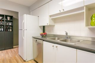 "Photo 10: 201 106 W KINGS Road in North Vancouver: Upper Lonsdale Condo for sale in ""Kings Court"" : MLS®# R2214893"