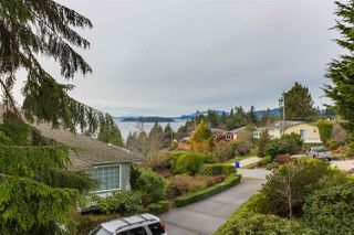 "Photo 11: 5113 CHAPMAN Road in Sechelt: Sechelt District House for sale in ""Davis Bay"" (Sunshine Coast)  : MLS®# R2228930"