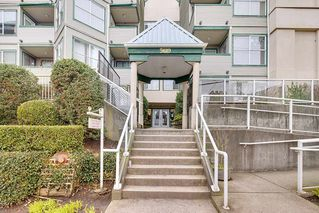 "Photo 1: 305 509 CARNARVON Street in New Westminster: Downtown NW Condo for sale in ""HILLSIDE PLACE"" : MLS®# R2244471"