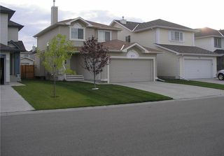 Main Photo: 311 MILLVIEW Bay SW in Calgary: Millrise House for sale : MLS®# C4170497