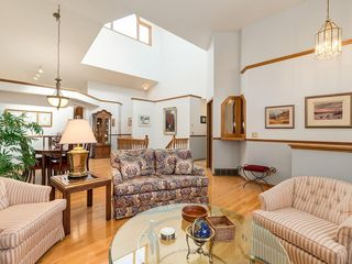 Photo 3: 238 PALISBRIAR Park SW in Calgary: Palliser House for sale : MLS®# C4182918