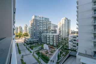 "Photo 5: 601 1688 PULLMAN PORTER Street in Vancouver: Mount Pleasant VE Condo for sale in ""Navio South by Concert"" (Vancouver East)  : MLS®# R2287838"