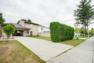 Photo 1: 13504 79A Avenue in Surrey: West Newton House 1/2 Duplex for sale : MLS®# R2305867