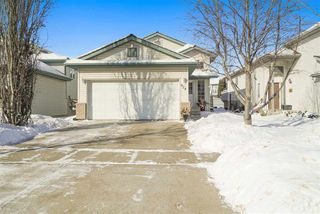 Photo 3: 924 NORMANDY Drive: Sherwood Park House for sale : MLS®# E4144486