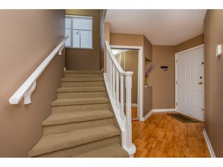 "Photo 3: 27 31501 UPPER MACLURE Road in Abbotsford: Abbotsford West Townhouse for sale in ""Maclure Walk"" : MLS®# R2346484"