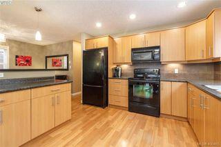 Photo 9: 829 Gannet Crt in VICTORIA: La Bear Mountain Single Family Detached for sale (Langford)  : MLS®# 807786