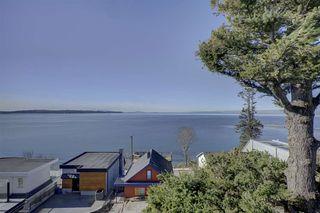 Main Photo: 15290 VICTORIA Avenue: White Rock House for sale (South Surrey White Rock)  : MLS®# R2351872