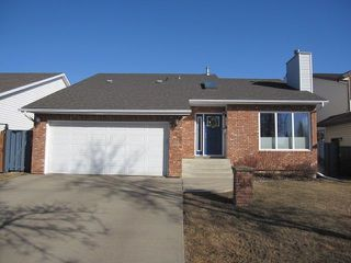 Photo 1: 143 Dorchester Drive: St. Albert House for sale : MLS®# E4149616
