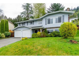 Photo 2: 2856 GLENAVON Street in Abbotsford: Abbotsford East House for sale : MLS®# R2361303