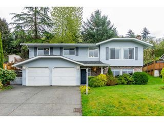 Photo 1: 2856 GLENAVON Street in Abbotsford: Abbotsford East House for sale : MLS®# R2361303