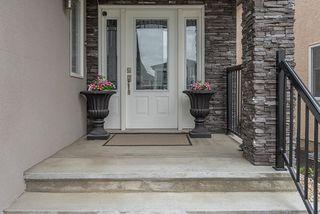 Photo 2: 16723 61 Street in Edmonton: Zone 03 House for sale : MLS®# E4156034