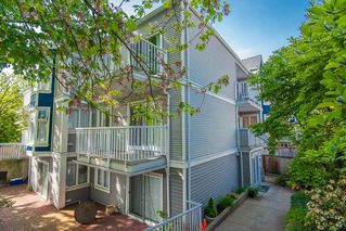 Photo 2: 104 526 THIRTEENTH Street in New Westminster: Uptown NW Condo for sale : MLS®# R2369645