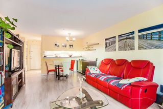 Photo 12: 104 526 THIRTEENTH Street in New Westminster: Uptown NW Condo for sale : MLS®# R2369645