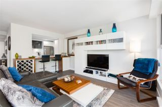 """Photo 3: 401 1323 HOMER Street in Vancouver: Yaletown Condo for sale in """"Pacific Point"""" (Vancouver West)  : MLS®# R2373615"""