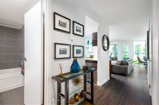 """Photo 5: 401 1323 HOMER Street in Vancouver: Yaletown Condo for sale in """"Pacific Point"""" (Vancouver West)  : MLS®# R2373615"""