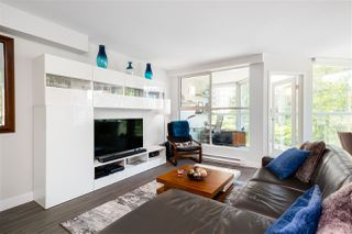 """Photo 2: 401 1323 HOMER Street in Vancouver: Yaletown Condo for sale in """"Pacific Point"""" (Vancouver West)  : MLS®# R2373615"""