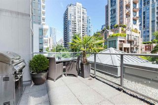 """Photo 4: 401 1323 HOMER Street in Vancouver: Yaletown Condo for sale in """"Pacific Point"""" (Vancouver West)  : MLS®# R2373615"""