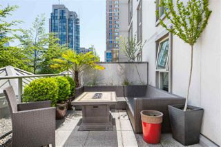 """Photo 13: 401 1323 HOMER Street in Vancouver: Yaletown Condo for sale in """"Pacific Point"""" (Vancouver West)  : MLS®# R2373615"""