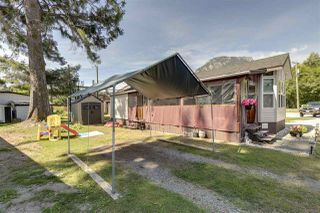 "Photo 4: 27 40022 GOVERNMENT Road in Squamish: Garibaldi Estates Manufactured Home for sale in ""Angelo's Trailer Park"" : MLS®# R2379111"