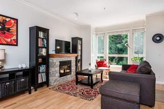 """Photo 3: 214 14 E ROYAL Avenue in New Westminster: Fraserview NW Condo for sale in """"VICTORIA HILL"""" : MLS®# R2385343"""