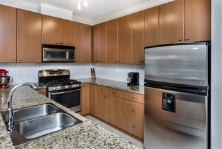 """Photo 4: 214 14 E ROYAL Avenue in New Westminster: Fraserview NW Condo for sale in """"VICTORIA HILL"""" : MLS®# R2385343"""