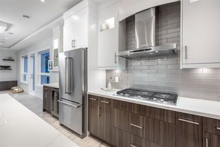 Photo 4: 975 DELESTRE Avenue in Coquitlam: Maillardville House for sale : MLS®# R2386158