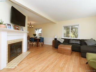 Photo 2: 3337 Richmond Rd in VICTORIA: SE Mt Tolmie Single Family Detached for sale (Saanich East)  : MLS®# 819267