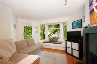 "Photo 5: 103 2006 W 2ND Avenue in Vancouver: Kitsilano Townhouse for sale in ""MAPLE PARK WEST"" (Vancouver West)  : MLS®# R2386613"