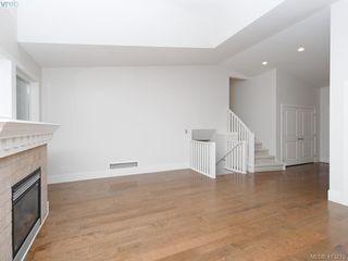 Photo 5: 1210 Lavinia Lane in VICTORIA: SE Cordova Bay Single Family Detached for sale (Saanich East)  : MLS®# 819540