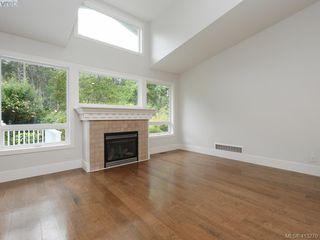 Photo 3: 1210 Lavinia Lane in VICTORIA: SE Cordova Bay Single Family Detached for sale (Saanich East)  : MLS®# 819540